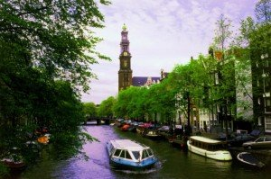 Fun things to do on Amsterdam's canals