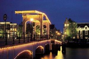 18 Must-see Amsterdam bridges