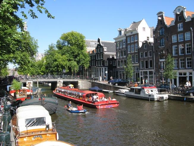 The Canals of Amsterdam – A magic boundary of the Venice of the North