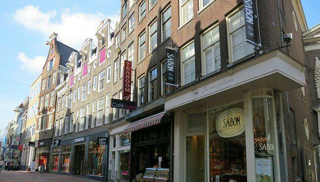 Kalverstraat – highstreet fashion in the heart of Amsterdam